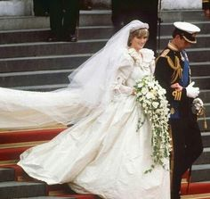 Adore the cascading bouquet which were famous in the 50s and the 80s