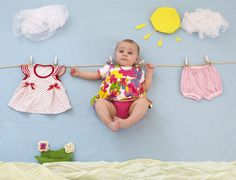 Easy to copy this fun baby photoshoot idea. Just use a blue baby blanket and lay out the props for the cutest baby photo! Monthly Baby Photos, Newborn Baby Photos, Baby Poses, Baby Girl Photos, Newborn Pictures, Baby Girl Newborn, Baby Pictures, Summer Baby Photos, Cool Baby