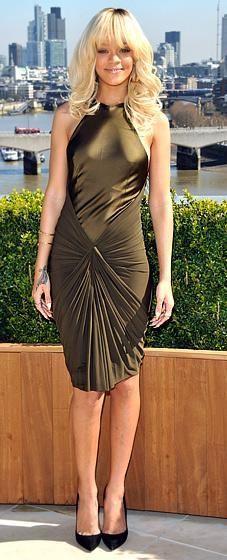 cute dress Rihanna's wearing