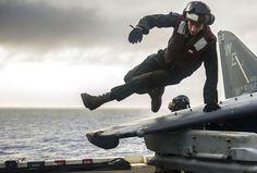 On the flight line, you've got to stay nimble. (U.S. Navy photo by Mass Communication Specialist Seaman Apprentice Edward Guttierrez III/Released)