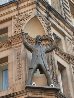 Ringo Starr statue Hard Day's Night Hotel, Liverpool Grade II listed building