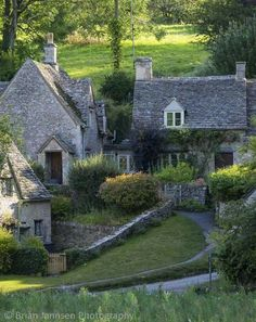 I want to stay in a cottage one day. Arlington Row - homes built for the local weavers, Bibury, Glocestershire, England. Stone Cottages, Cabins And Cottages, Stone Houses, Cotswold Cottages, Country Cottages, Cottages England, Country Houses, Cozy Cottage, Cottage Homes