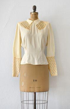 vintage 1930s eyelet lace cream rayon blouse