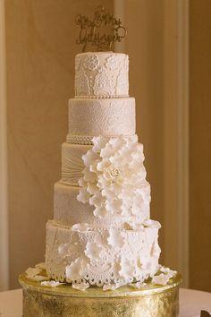 Wedding Reception | wedding cake | Lakewood Ranch Golf & Country Club | Florida | Wedding Photographer | photography