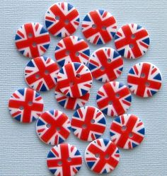 15 UK Flag Buttons British Union Jack Pattern by BohemianFindings,pinned by www.funyfabrix.com.au
