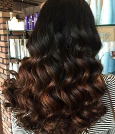 Different fall hair colors for women. Gorgeous brunette hair color for long hair. Top fall hair colors to try this season. Blonde Grise, Ombre Hair Color For Brunettes, Bobs Blondes, Hair Dye Tips, Bright Red Hair, Fall Hair Colors, Brunette Hair, Dark Hair, Hair Type