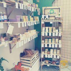 53 tipi di #saponi diversi. Tutti 100% #naturali, tutti al taglio, tutti a 3,50 l'etto! #handmadesoap #catania #handmade #soap
