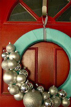 DIY ornament wreath via martinfamilyliving.com