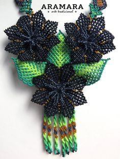 Mexicana Huichol cuentas negro flores collar CFG-0007 por Aramara Black Flowers, Orange Flowers, Natural Accessories, Spiritual Meaning, Mexican Jewelry, Beaded Jewelry Patterns, Bead Art, Crochet Earrings, Handmade Jewelry