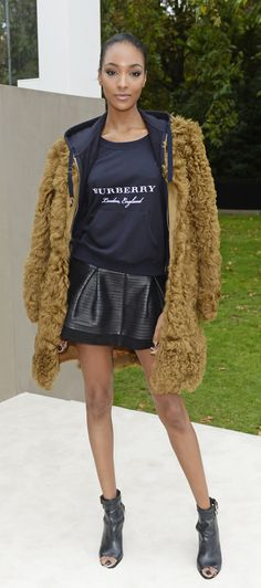 Jourdan Dunn wearing Burberry to arrive at the S/S16 show space in London