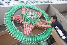 How to Recycle: Recycled Christmas Lanterns Christmas Parol, Christmas Lanterns, Christmas Crafts, Christmas Tree, Christmas Ornaments, Recycled Parol, Parol Diy, Diy Recycle, Recycling
