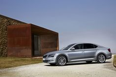 New Release 2016 Skoda Superb Review Front Side View Model