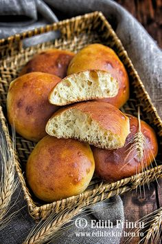 Dukan buchty 1 Healthy Living Recipes, Dukan Diet, Bread Rolls, Pretzel Bites, Scones, Bread Recipes, Sweet Potato, Clean Eating, Food And Drink