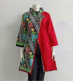 Blouse batik Source by murtiandrini batik Batik Fashion, 50 Fashion, Hijab Fashion, African Attire, African Wear, African Inspired Fashion, African Fashion, Blouse Batik Modern, Dress Batik Kombinasi