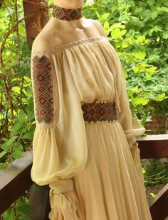 Modern Silk Dress with traditional embroidered Romanian Motifs Ethnic Fashion, Boho Fashion, Fashion Dresses, Fashion Design, Afghan Clothes, Afghan Dresses, Romanian Wedding, Estilo Boho, Embroidery Fashion