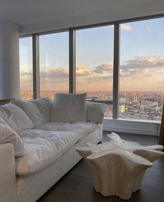 Home Interior Blue Living Room Decor, Living Spaces, Dog Spaces, Aesthetic Rooms, Urban Aesthetic, Dream Apartment, Deco Design, Home And Deco, Foyers