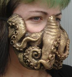 Miss Monster's Cthulhu Mask Steampunk Diy, Steampunk Fashion, Elmo, Octopus Design, Alien Art, Masks Art, Monster S, Cosplay, Leather Projects