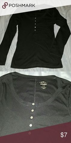 Old Navy Long Sleeve Scoop Neck Henley Large EUC,  worn a time or 2. Runs a tad small to me. Old Navy Tops Tees - Long Sleeve
