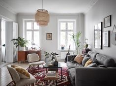 Such a pretty living room - So cozy Flat Interior Design, Home Interior, Condo Living Room, Living Room Decor, Scandinavian Living, Scandinavian Apartment, Scandinavian Interiors, Gravity Home, Cozy Apartment