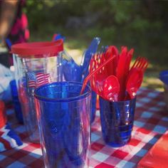 Use the American Flag Tervis tumbler to help set up the table for this 4th of July! #thankyou