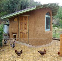 cob-and-straw bale chicken coop