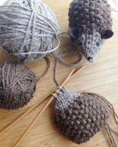 Hans my hedgehog has always been one of my favorite fairy tales .- Hans mein Igel war schon immer eines meiner Lieblingsmärchen und ein paar Tage … , … Hans my hedgehog has always been one of my favorite fairy tales and a few days …, - Knitting For Kids, Free Knitting, Knitting Projects, Baby Knitting, Crochet Projects, Crochet Amigurumi, Knit Or Crochet, Animal Knitting Patterns, Crochet Patterns