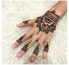 Henna Designs For Kids, Pretty Henna Designs, Henna Tattoo Designs Simple, Finger Henna Designs, Beginner Henna Designs, Mehndi Designs For Fingers, Latest Mehndi Designs, Easy Mehndi Designs, Simple Design Of Mehndi
