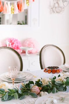 Essential Tips For Setting A Romantic Table For Any Occasion