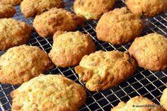 Biscuiti cu banane si cereale | Savori Urbane Biscuit, Muffin, Cookies, Breakfast, Desserts, Recipes, Food, Banana, Crack Crackers