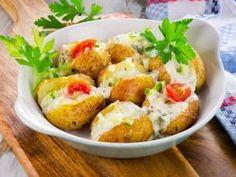 12 retete de Cartofi copti Fish And Seafood, Baked Potato, Potato Salad, Baking, Healthy, Ethnic Recipes, Bakken, Health, Backen