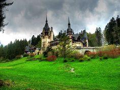 Peleș, castillo de la monarquía rumana.
