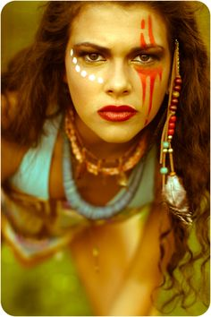 MAKE-UP: I like this style as the details are not the same on both sides which adds aesthetically asymmetry to the face. I will incorporate this into my face chart designs. Krieger Make-up, Tribal Face Paints, Tribal Paint, Makeup Art, Hair Makeup, Makeup Ideas, Warrior Makeup, Tribal Makeup, Festival Makeup