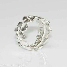 Laurel wreath ring. Silver.
