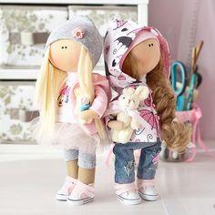 В детстве мы все играли в куклы И у каждой из нас наверняка была своя особенная, неповторимая и самая любимая куколка Чтобы попасть в детство не обязательно быть ребёнком... Волшебство - это состояние души Подарите себе или своим дорогим частичку радости✨, нежности и любви Мои куколки могут быть похожи на вас, а могут быть воплощением фантазий Этот необычный подарокдля тех, у кого все есть☺️ Если вы верите в чудеса и хотите делиться ими с другими - мои куколки однозначн...