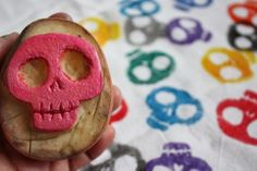 Pearmama: Day of the Dead DIY: Sugar Skull Kitchen Towel