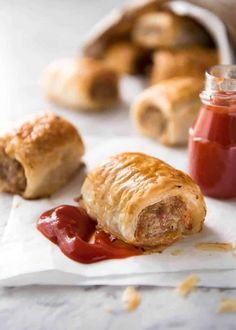 The best ever sausage roll recipe, secret steps and special ingredients which ma. CLICK Image for full details The best ever sausage roll recipe, secret steps and special ingredients which makes the filling the most fla. Bacon Sausage, Sausage Appetizers, Best Appetizers, Appetizer Recipes, Bacon Recipes, Brunch Recipes, Easy Recipes, Drink Recipes, Gastronomia