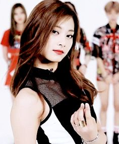 Maknae Tzuyu Kpop Girl Groups, Korean Girl Groups, Kpop Girls, K Pop, Chou Tzu Yu, Twice Kpop, Cool Tumblr, Tzuyu Twice, Im Nayeon