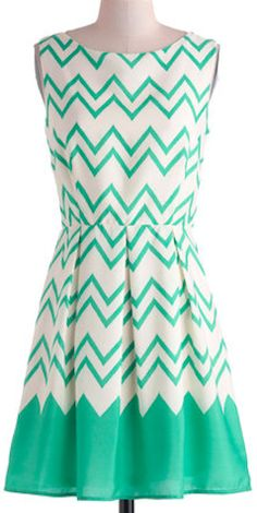 Darling chevron dress in teal http://rstyle.me/n/fgtavnyg6