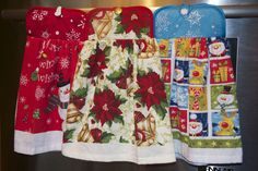Sew a simple holiday gift from a dollar store potholder, kitchen towel and a button? Get a hanging potholder dishtowel tutorial! Christmas Crafts For Gifts, Christmas Sewing, Craft Gifts, Sew Gifts, Christmas Presents, Christmas Ideas, Christmas Cards, Merry Christmas, Dish Towel Crafts