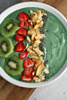 Spirulina Smoothie Bowl Recipe on Yummly. @yummly #recipe
