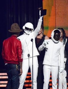 Daft Punk owns the GRAMMYs Who? 1/26/14
