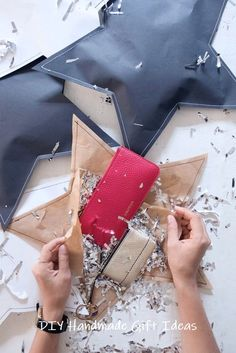 Creative Wrapping Idea: DIY Stitched Up Gift Wrap - Diy Geschenke Ideen Creative Gift Wrapping, Present Wrapping, Creative Gifts, Wrapping Ideas, Creative Ideas, Christmas Gift Wrapping, Diy Christmas Gifts, Holiday Gifts, Christmas Items