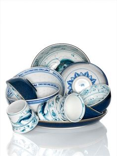 'Favorites' in Linda Magazine NL Photography by Frank Brandwijk I 'White & Blue Chinese Dishes'