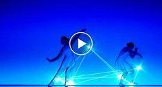 Um Maravilhoso Momento De Luzes e Dança Que o Vai Deixar Colado Ao Écran