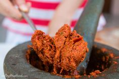 Authentic Thai Red Curry Paste Recipe (พริกแกงเผ็ด)