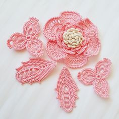 A new Irish crochet set for a flower girl is on it's way