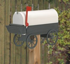 Covered Wagon Mailbox Woodcraft Pattern Turn your ordinary mailbox into a handcrafted work of art. #diy #woodcraftpatterns