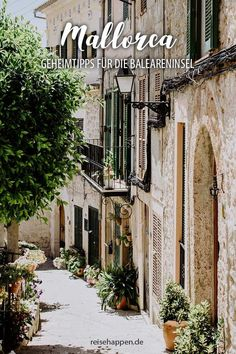 Urlaub auf Mallorca – Highlights und Insider Tipps für den perfekten Balearen Urlaub. Sehenswürdigkeiten, die schönsten Bergdörfer, Strände & Restaurants. Reisen In Europa, What Inspires You, Menorca, Wonderful Places, Wanderlust, In This Moment, Live, Travel, Spain Travel