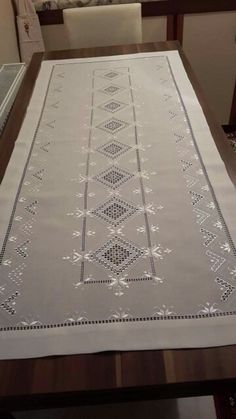 This Pin was discovered by özl Hardanger Embroidery, Embroidery Stitches, Embroidery Patterns, Machine Embroidery, Types Of Embroidery, Learn Embroidery, White Embroidery, Drawn Thread, Weaving Patterns