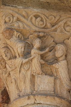 Eglise Notre-Dame-du-Bourg,capitel romanico.  Rabastens,Tarn,Francia
